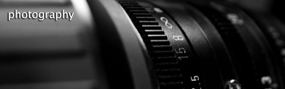 Lens aperture scale